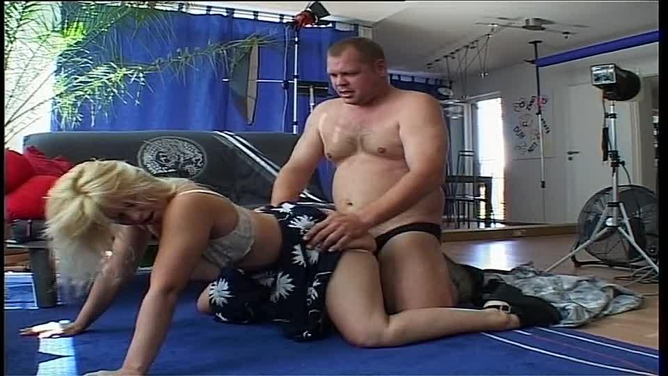 frau hat sex mit pferd porno
