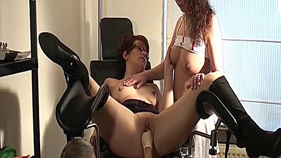 Lesbische Gynäkologen-Pornos