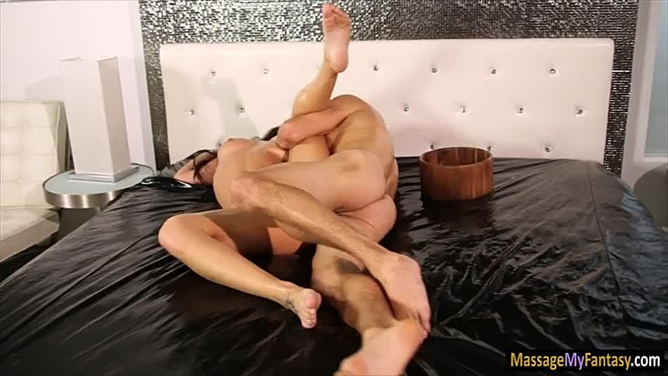blondes luder masturbiert breitbeinig nur fur dich