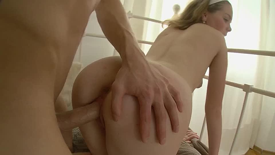 Eine fette Fotze hat das junge Mädchen - HD-Pornos.net